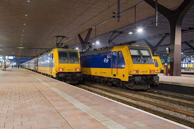 NS 186 040 + 186 025 Rotterdam Centraal