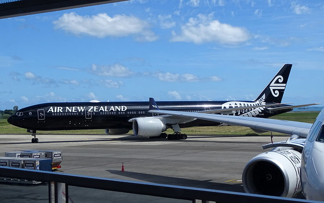 Air New Zealand Boeing 777-300ER ZK-OKQ