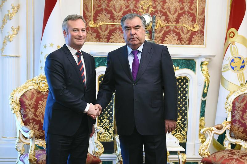 Лидер нации Эмомали Рахмон встретился с Государственным секретарём при министре Европы и иностранных дел Французской Республики Жан-Батистом Лемуаном