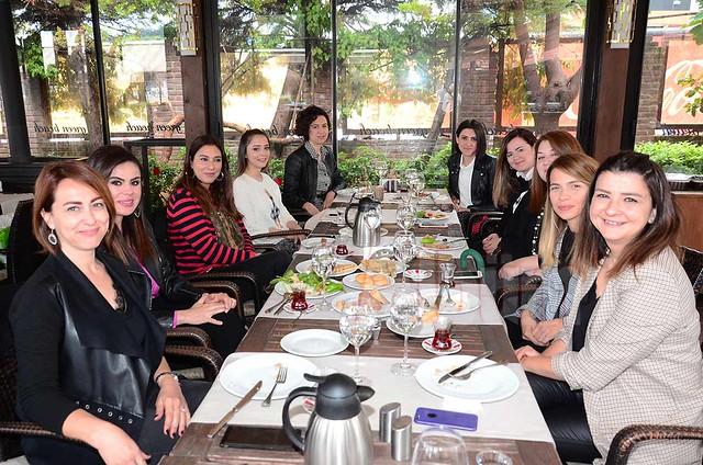 Alanya Kadınları burs için durmuyor
