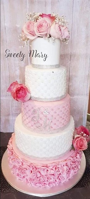 Wedding Cake by Sweety Mary