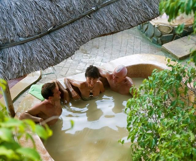 Tắm bùn Tháp Bà Nha Trang - điểm đến tuyệt vời !