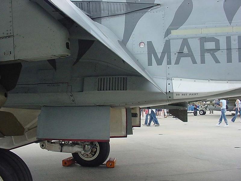 F-18C 00003