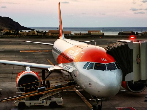 EASYJET G-UZHL en el Aeropuerto de Gran Canaria (LPA)