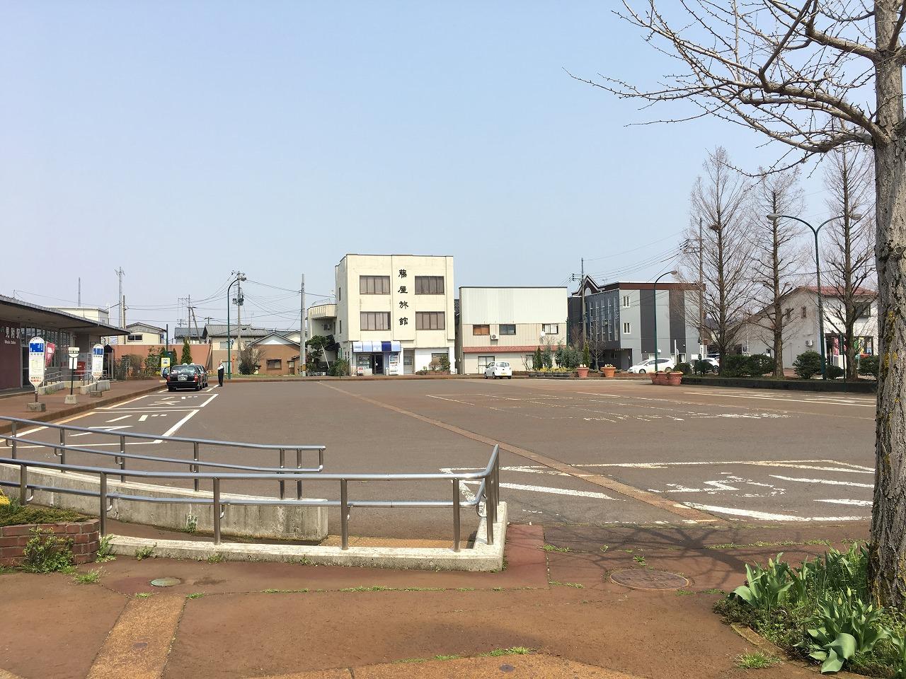 画像5(駅広閑散)