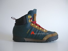 ADIDAS BLAUVELT RETRO TREKKING / HIKING SPORT HI SHOES / HI TOPS