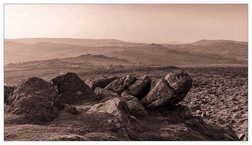 Hay Tor, looking north | by FlickrDelusions