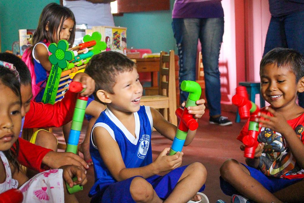 Grupo inaugura brinquedoteca para 120 crianças em Juruti Velho, juruti velho