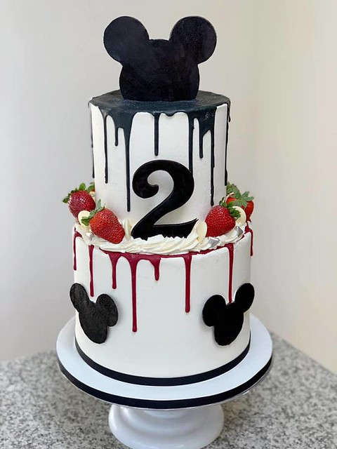 Cake by Miss Muffin