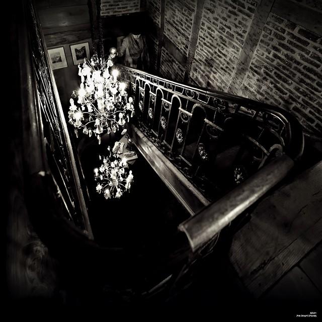 Fatalité dans l'escalier ...