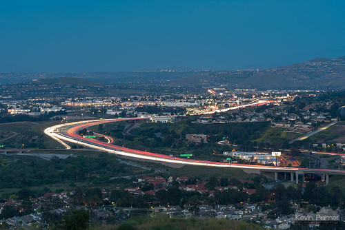 chinohillsstatepark yorbalinda orangecounty california spring april nikond750 nikon180mmf28 telephoto evening dusk twilight blue cartrails 91freeway corona scullyridge