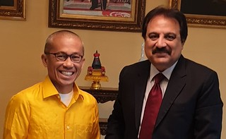 Wajid with Thailand CG, MR. THATREE CHAUVACHATA,  at Karachi