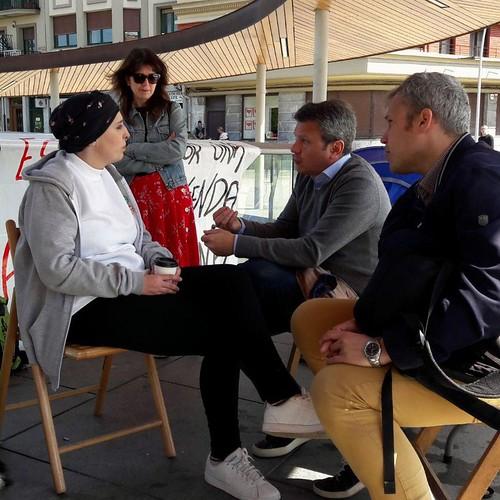 María José con el alcalde, el delegado de bienestar social y la jefa del gabinete de prensa del Ayuntamiento de Irun