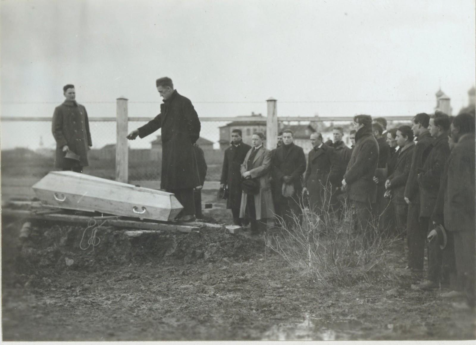 05. Похороны на Севере России