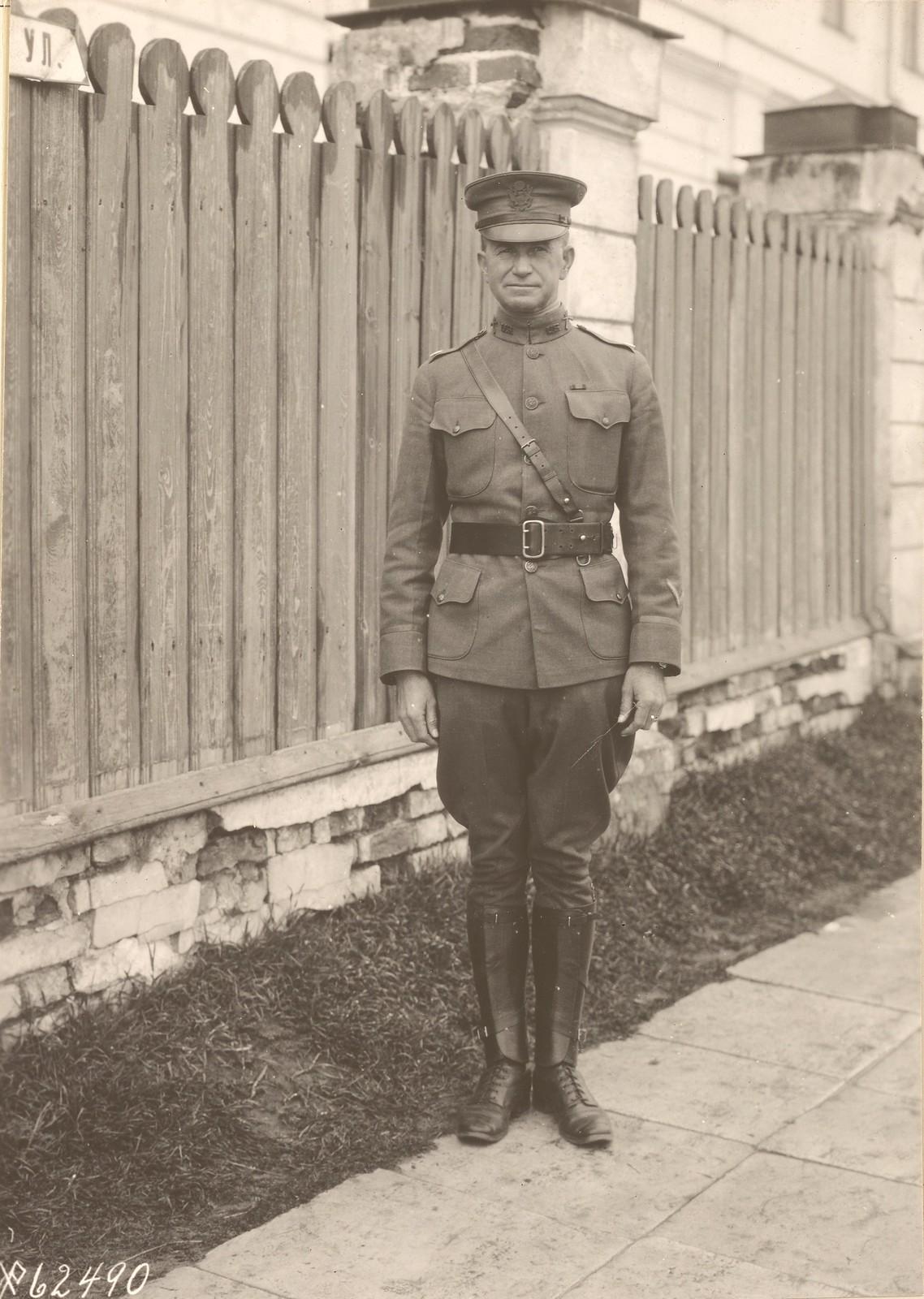 04. Полковник Джон Б. Корбли, командир 1-го батальона, 339-й пехотный, Архангельск,