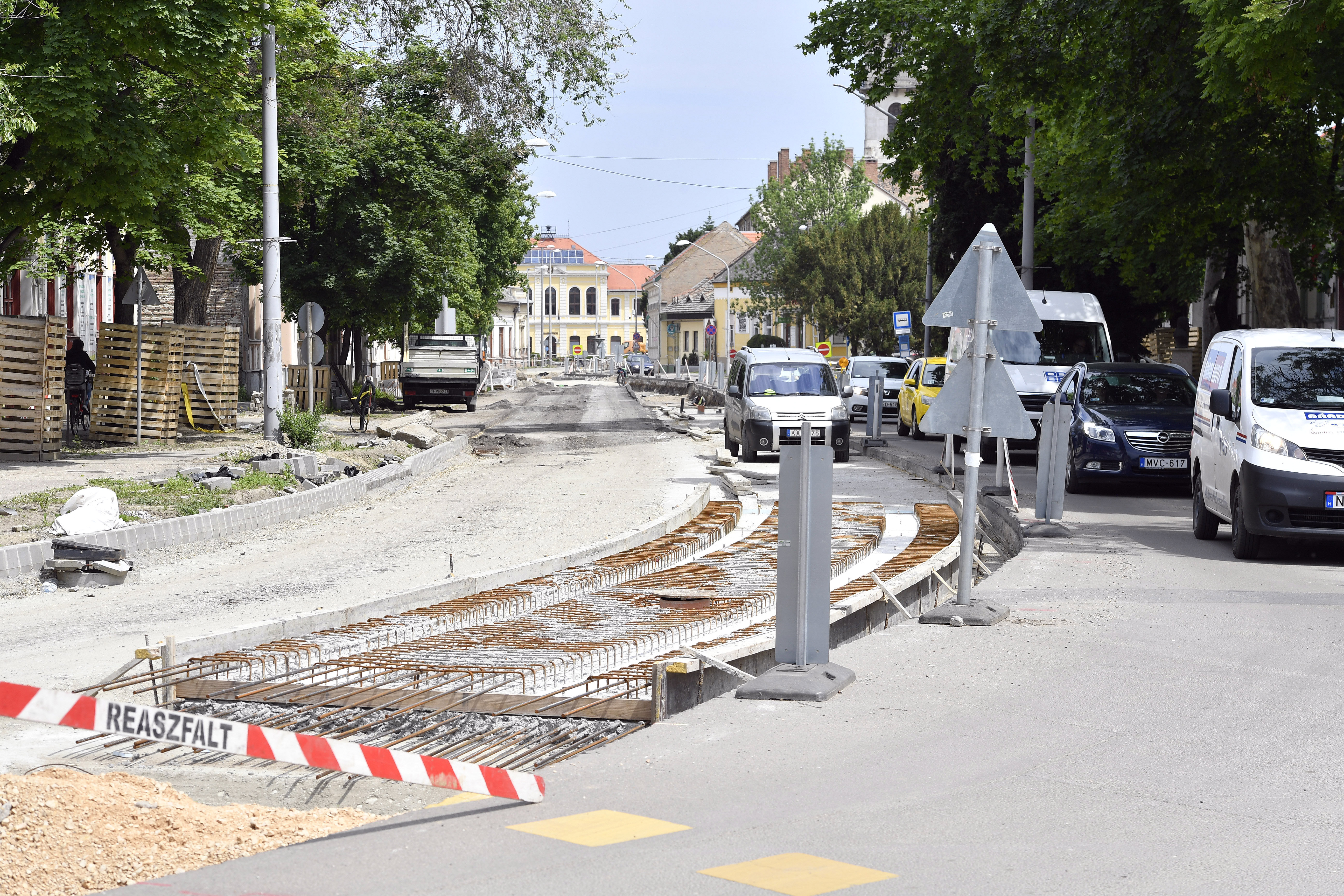 Ismét drágul a tram-train 8,5 milliárddal, négy új járművet is vesznek belőle