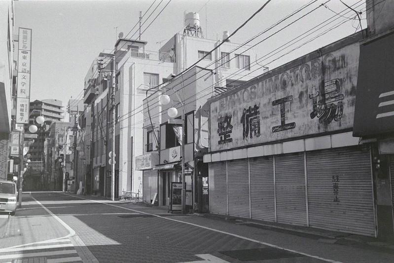 045LeicaM2 Summaron 35mm f35 Kodak 400TX池袋二丁目へいわ通り