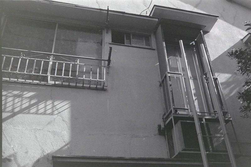034LeicaM2 Summaron 35mm f35 Kodak 400TX池袋一丁目