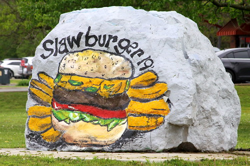 fayetteville tn tennessee lincolncounty slawburger slawburgerfestival bmok bmok2 us231 us431 tn10 rock paintedrock 2019
