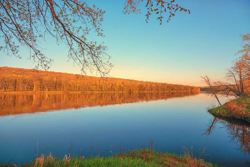 minnesota saintcroixriver stcroixriver wildriverstatepark wisconsin boatlaunch river statepark sunset trees northbranch unitedstatesofamerica