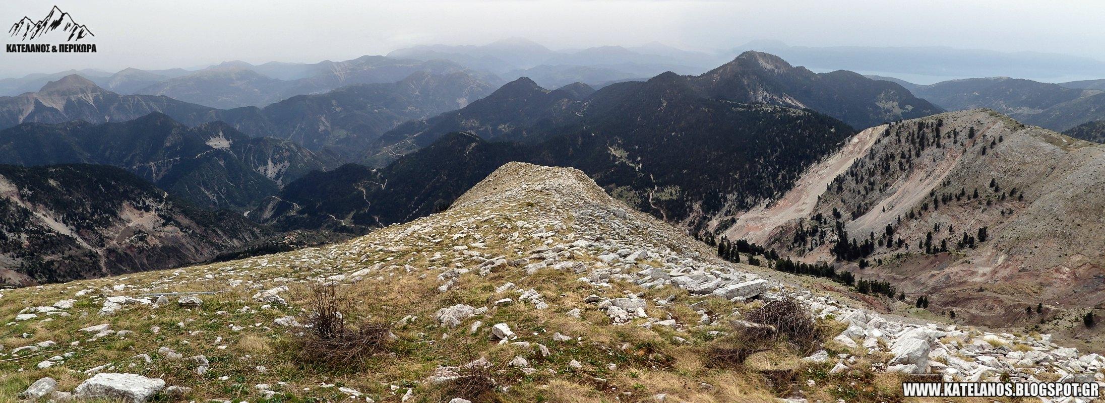 τριανταφυλλια βουνο θέα προς τα νότια