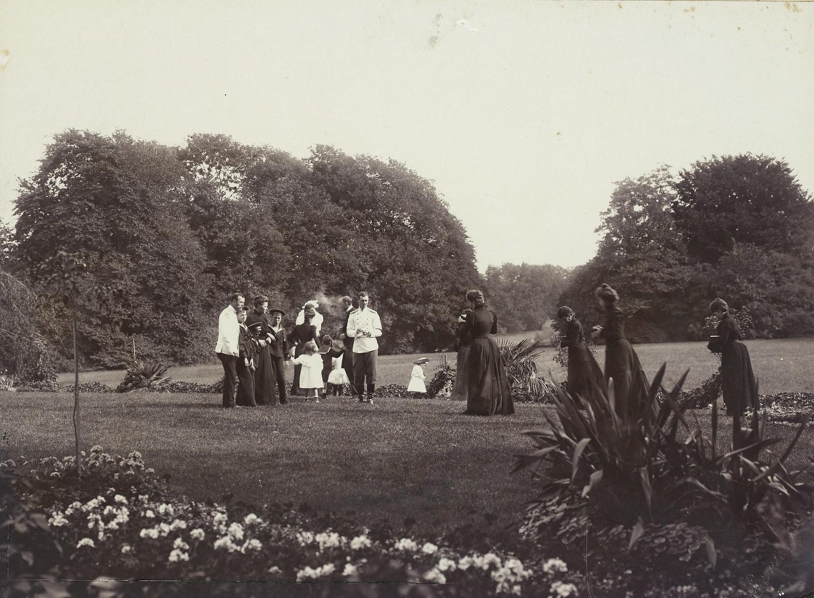 1899. Николай II и члены Императорской фамилии в Англии. Сентябрь