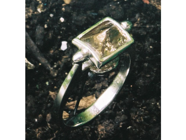 Natural diamond and platinum ring