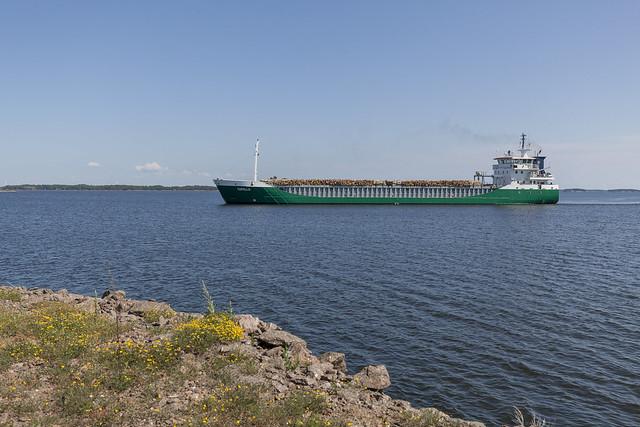 A merchant ship arriving to Halla 243