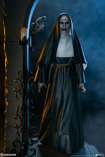 令人毛骨悚然的身影! Sideshow Collectibles《鬼修女》鬼修女 The Nun 全身場景雕像作品