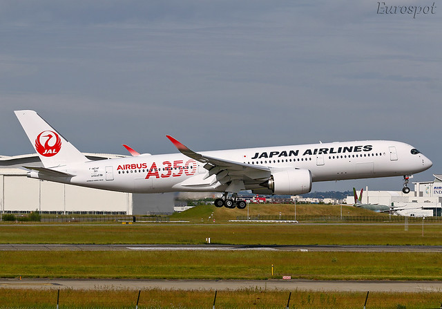 F-WZHF Airbus A350 Japan Airlines