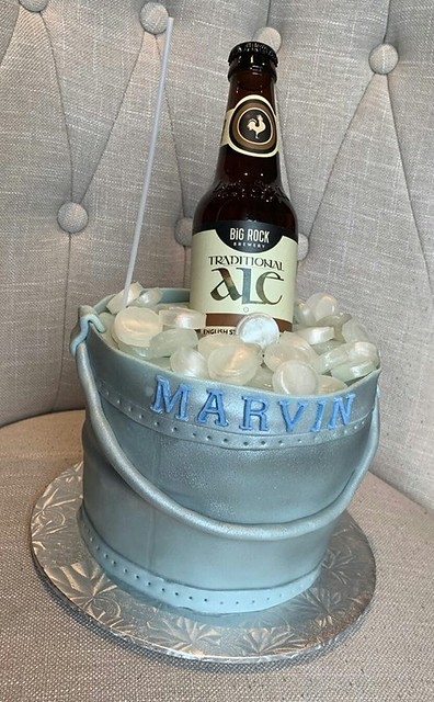 Ice Bucket Cake by The Sweet Beehive