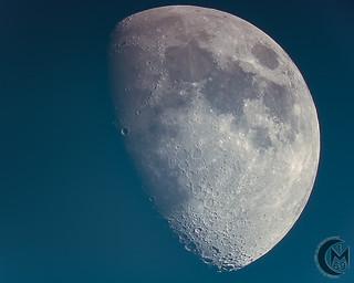 69.8% Waxing Gibbous Daytime Moon [2019.05.13]