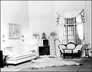 Living room of W.E. Noffke, Ontario / Salon de W.E. Noffke (Ontario)