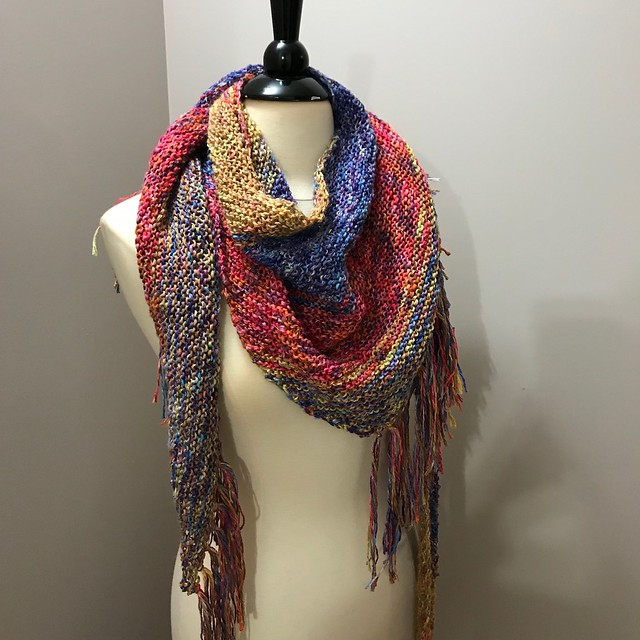 Leslie loves the Summertime Shawl by Michele C Meadows that she knit that she is planning to make another!