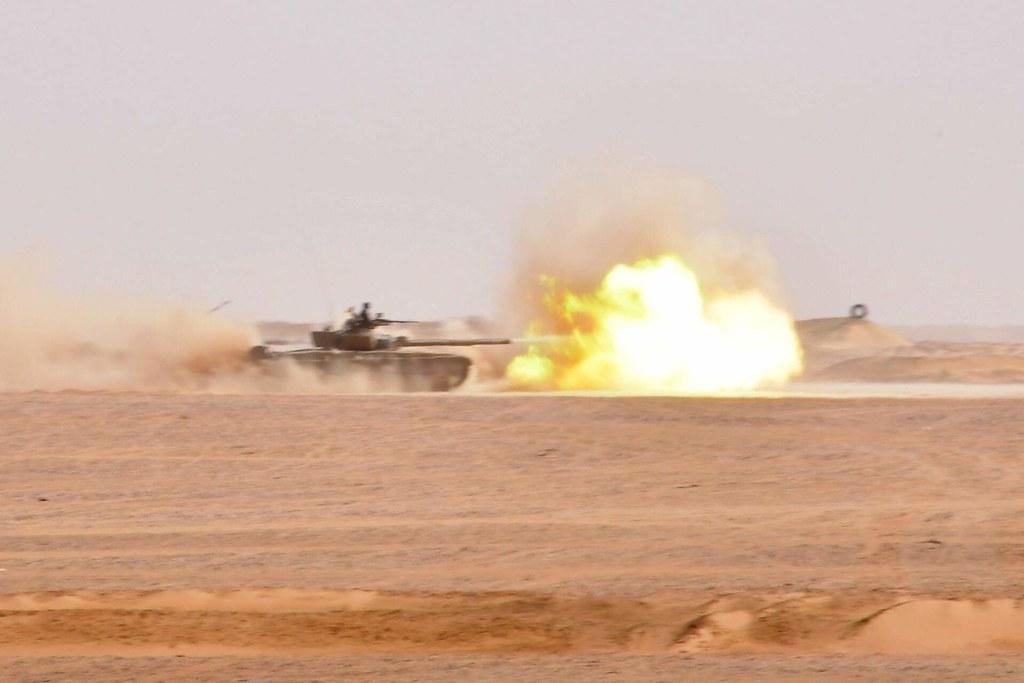 صور دبابات قتال رئيسية الجزائرية T-72M/M1/B/BK/AG/S ] Main Battle Tank Algerian ]   - صفحة 5 46953433945_ce901c1928_b