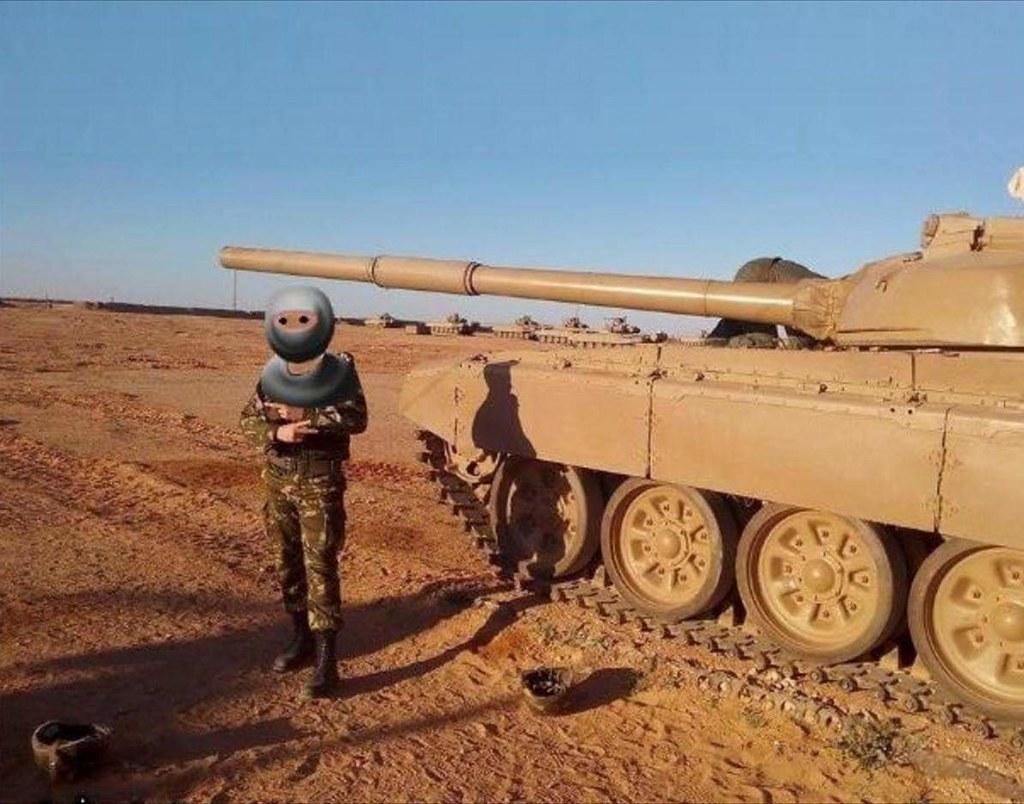 صور دبابات قتال رئيسية الجزائرية T-72M/M1/B/BK/AG/S ] Main Battle Tank Algerian ]   - صفحة 5 46953434135_2f1f780080_b