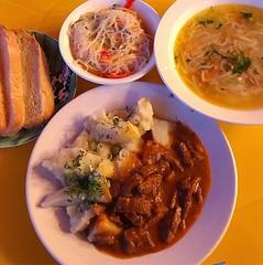 入夜後七點鐘晚餐開動,婆婆下廚的俄風料理,有撒上阿爾泰的牛肉配薯仔、冷盤米粉、雞肉碎麵條湯,整道晚餐簡單又美味,像是媽咪風味那麼温暖! 【浪遊旅人】http://bit.ly/1zmJ36B #bacpackerjim #russianfood #food #dinner #potato #beef #noodles #ricenoodles #hotel #MelodiaOlkhona #lake #baikal #khuzhir #irkutsk #Ирку́тск #siberia #russia