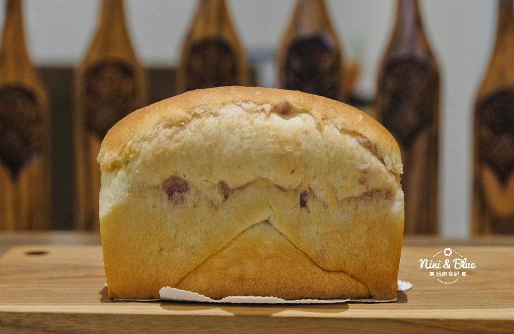 小雪 Casa.台中麵包17