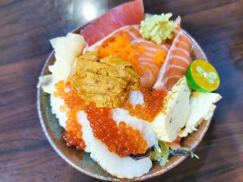 揚日式料理(生魚片蓋飯) (25)