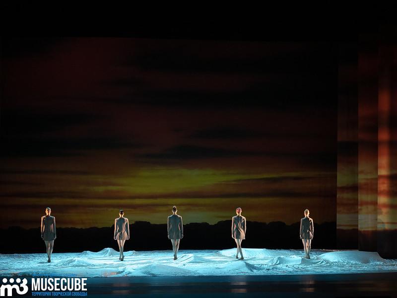 Российская Федерация, Санкт-Петербург, Александринский театр, Международный фестиваль балета Dance Open, балет Introdance, CANTUS / ПЕНИЕ, хореография Нильса Кристе.