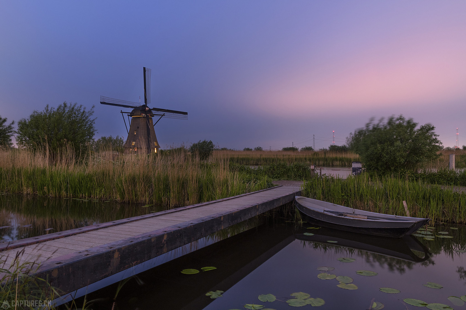 Boat and winmill - Kinderdijk