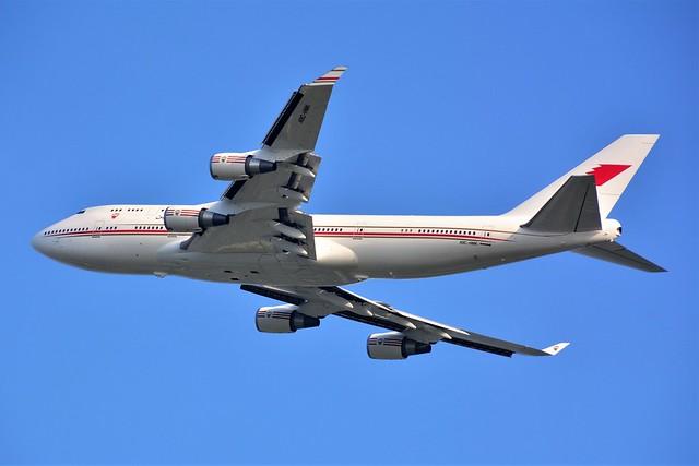 (ORY) Bahraïn Amiri Flight Boeing 747-4P8  A9C-HMK Takeoff runway 08 to Nice