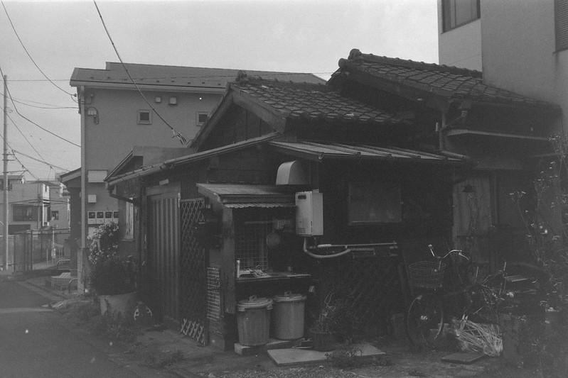 237LeicaM2 Summaron 35mm f35 Kodak 400TX 池袋本町