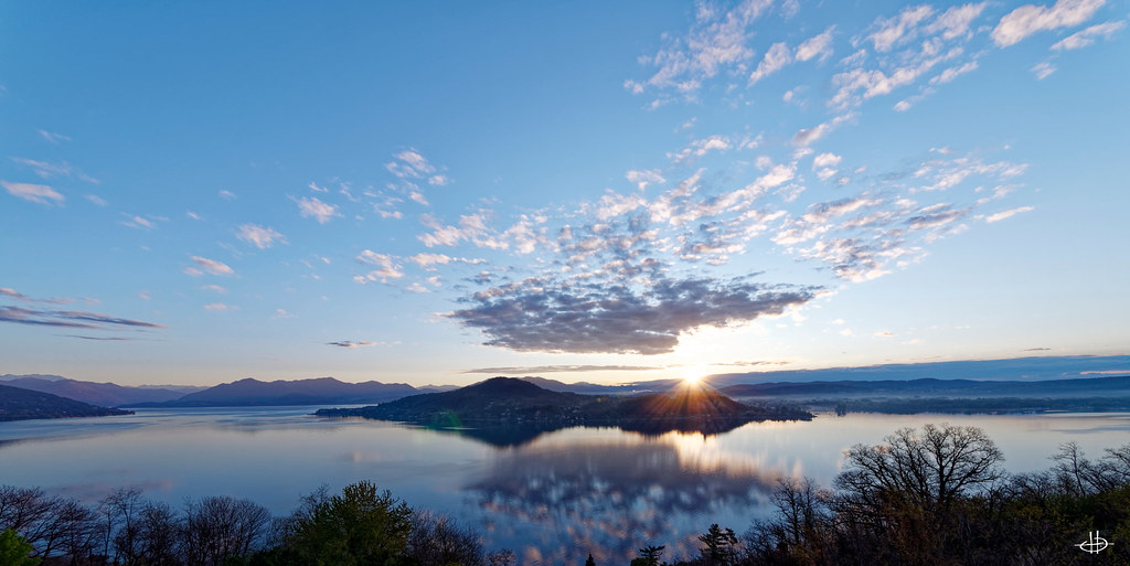 Levée du Jour sur le Lac Majeur 46961109494_949dcb93f2_b