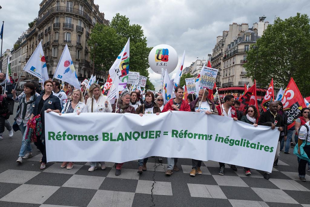 MANIFESTATION CONTRE LA LOI BLANQUER