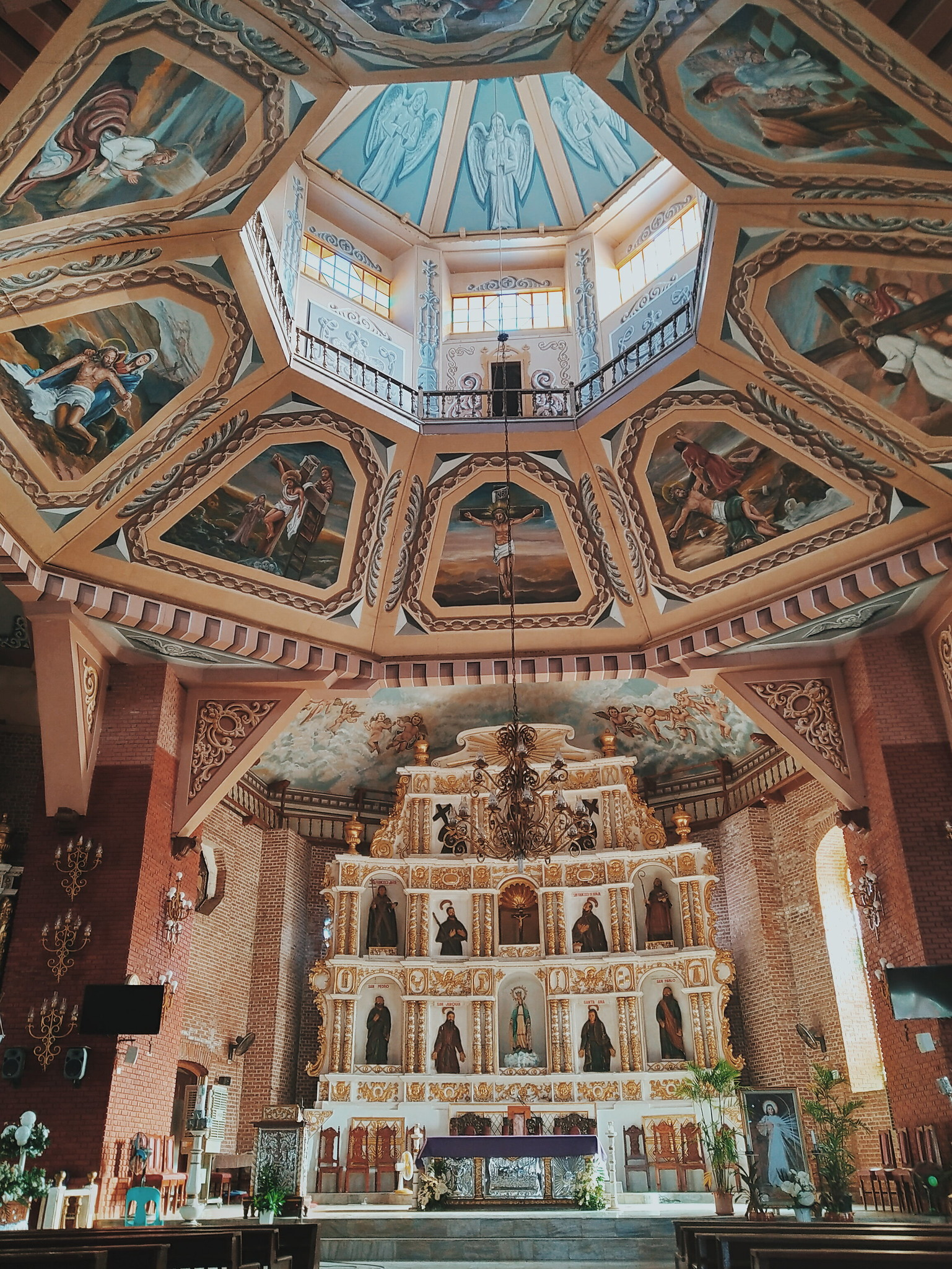 Sta Cruz Church