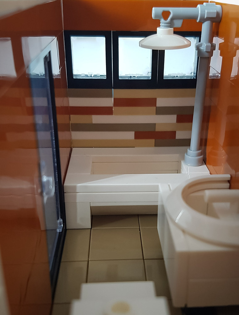 Orange Beach House MOC. Bath tub.
