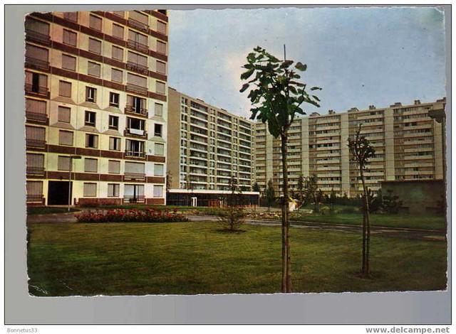 92 - LEVALLOIS PERRET Les Nouveaux Immeubles HLM --