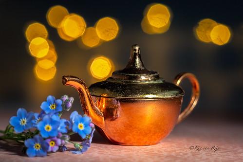 Mini copper old teapot!  HMM!