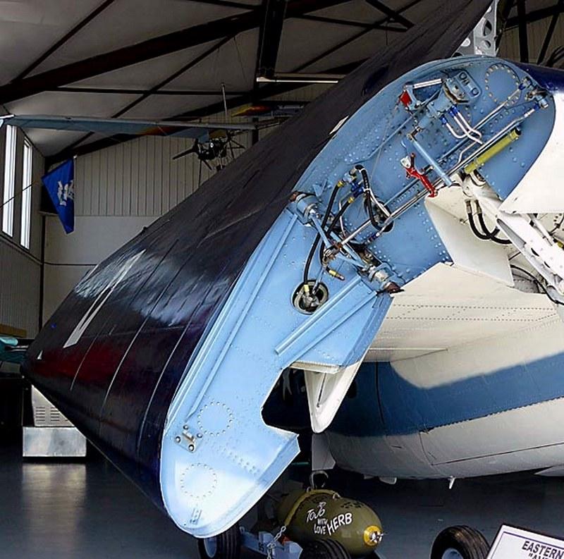 Grumman Eastern TBM-3 Avenger 00004